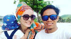 Viral Bule Cantik Dinikahi Pria Indonesia, Hidup Sederhana Masak di Gubuk