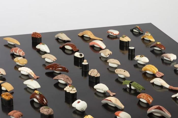 Jangan Terkecoh! Sushi-Sushi Cantik Ini Terbuat dari Batu