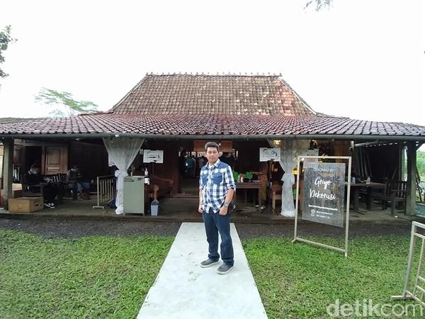 Konsep joglo ini dibuat sederhana dengan nuansa pedesaan. Kemudian kultur Jawanya tetap dipertahankan. Joglo serta suasana yang ada dipasarkan untuk turis domestic maupun mancanegara dengan segmen Eropa.