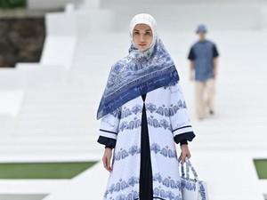 10 Koleksi Busana Muslim Karya Ivan Gunawan untuk Ramadhan 2021