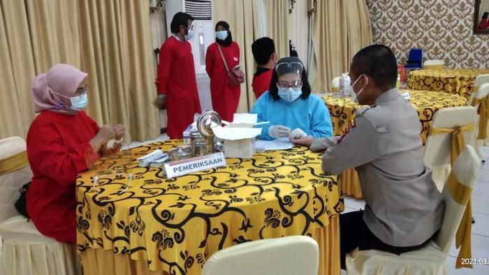 Palang Merah Indonesia (PMI) Provinsi Banten bersama Polda Banten dan Korem 064/Maulana Yusuf (MY) menggelar gerakan bersama donor plasma konvalesen.