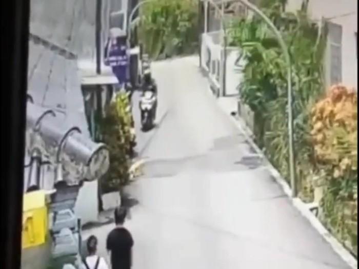 Polisi menelusuri video korban jambret terseret motor di Bandung