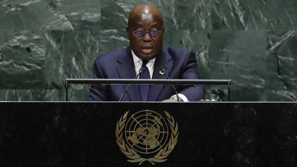 Presiden Ghana Terima Vaksin Covax Pertama di Dunia