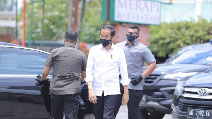 Presiden Jokowi makan siang di Klaten usai menjajal KRL Yogya-Solo