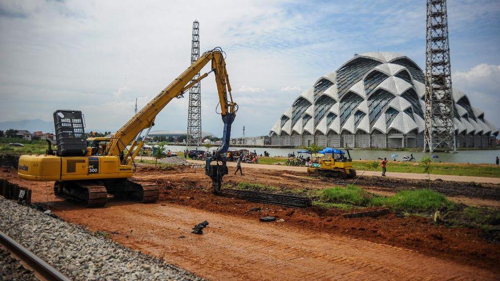 Melihat Proyek Jalur Kereta Ganda di Bandung