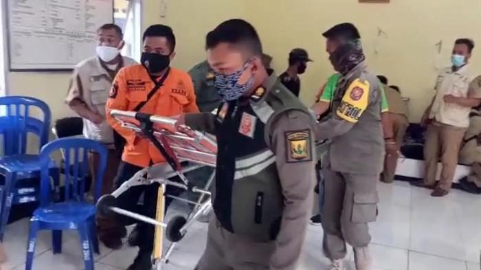Puluhan warga Cibadak Sukabumi keracunan makanan