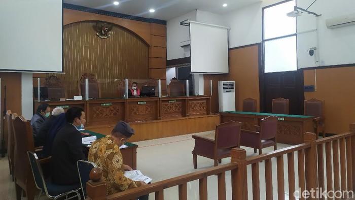 Sidang praperadilan Habib Rizieq Shihab di PN Jaksel Senin (1/3) ditunda