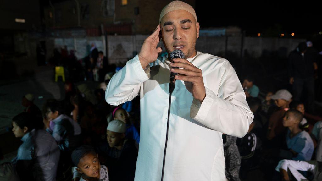 Ulama Redam Kekerasan Gangster di Afrika Selatan dengan Zikir