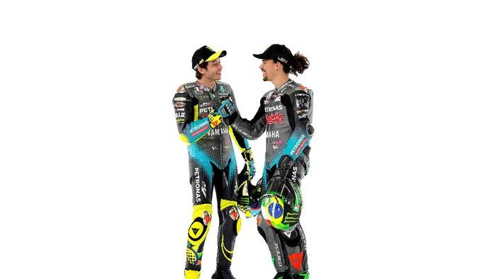Valentino Rossi-Franco Morbidelli dalam peluncuran motor baru Petronas Yamaha