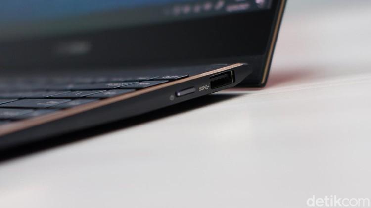 Asus ZenBook Flip S, laptop premium dengan layar sentuh dan dilengkapi stylus. Dibanderol Seharga Rp 23 juta.