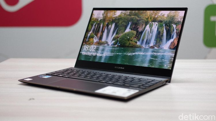 Asus ZenBook Flip S, Laptop Premium Rp 25 Juta