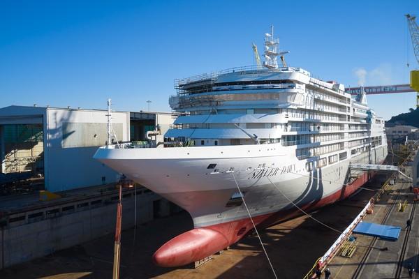 124 poin kontakpenilaian terkait dengan kinerja perusahaan secara keseluruhan, bukan masing-masing kapal. Silversea (75,4%) terkenal dengan kulinernya yang luar biasa. Perusahaan ini memiliki kapal dengan ukuran mulai dari 50 hingga 304 suite (Foto: Silversea Cruises)