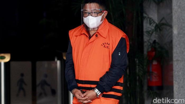 Tersangka kasus suap ekspor benur, Safri, diperiksa KPK. Ia diperiksa terkait kasus suap yang jerat dirinya dan eks Menteri KKP Edhy Prabowo sebagai tersangka.