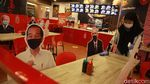 Makan di Restoran Ini Ditemani Foto Tokoh Dunia