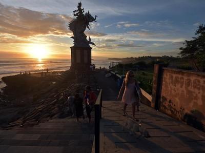 Menanti Pulihnya Pariwisata RI yang Babak Belur Selama Setahun Corona