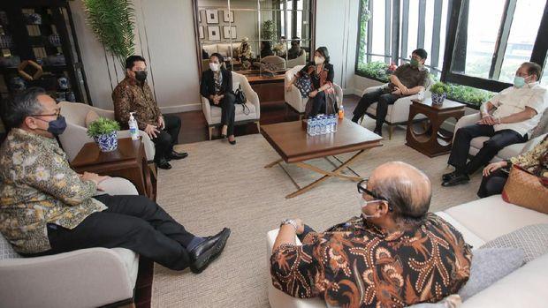 Menteri Badan Usaha Milik Negara (BUMN) Erick Thohir melakukan pertemuan dengan para pendahulunya/Dok Instagram @erickthohir