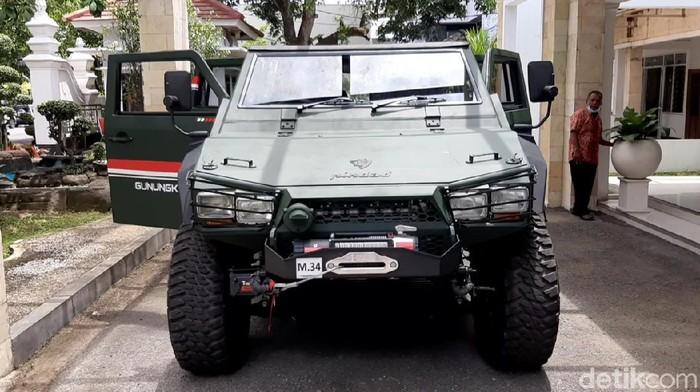 Mobil Maung yang digunakan Bupati Kabupaten Gunungkidul Sunaryanta untuk berdinas ke lokasi yang sulit dijangkau.