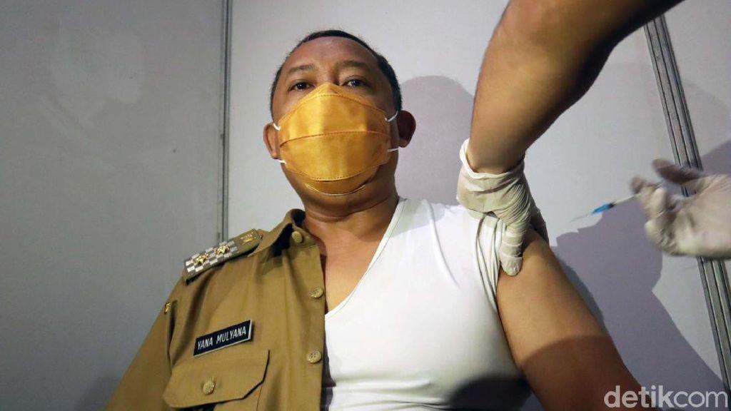 Momen Wawali Bandung Divaksin Corona