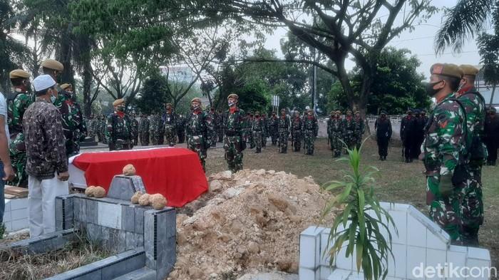Pemakaman Kopda Dedi Irawan