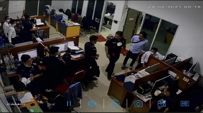 Screen shot video Bea Cukai Jayapura yang viral