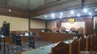 Nurhadi Dituntut 12 Tahun Bui, Pengacara Serang Jaksa: Ini Kebohongan