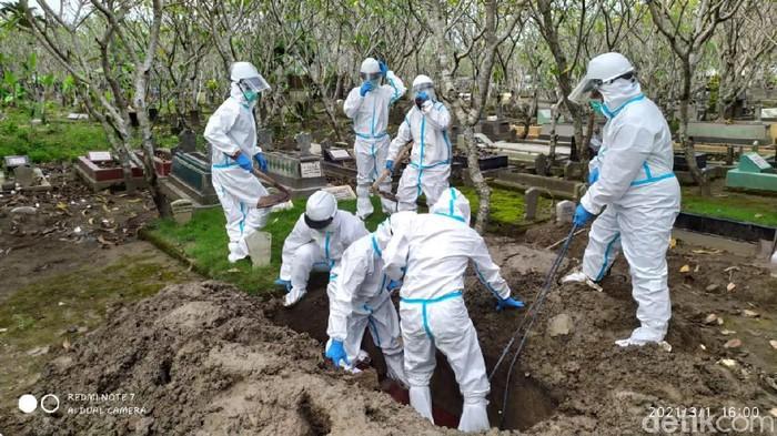 tim pemakaman korban COVID-19 di Kota Mojokerto