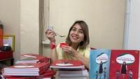 Kontroversi Buku Diet Tya Ariestya hingga Resep Nasi Uduk yang Gurih