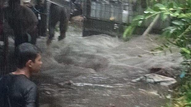 Banjir sempat melanda di Mlati, Sleman, Rabu (3/3/2021).