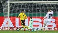 Sancho Loloskan Dortmund ke Semifinal DFB-Pokal