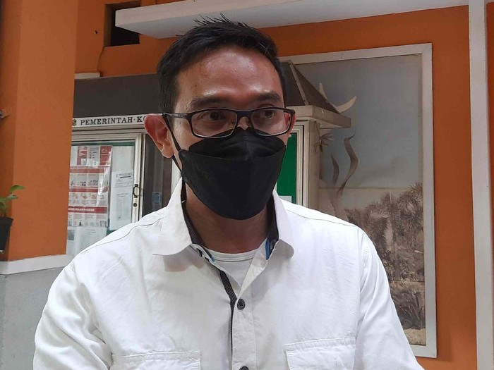 Kabag Humas Pemkot Surabaya, Febriadhitya Prajatara