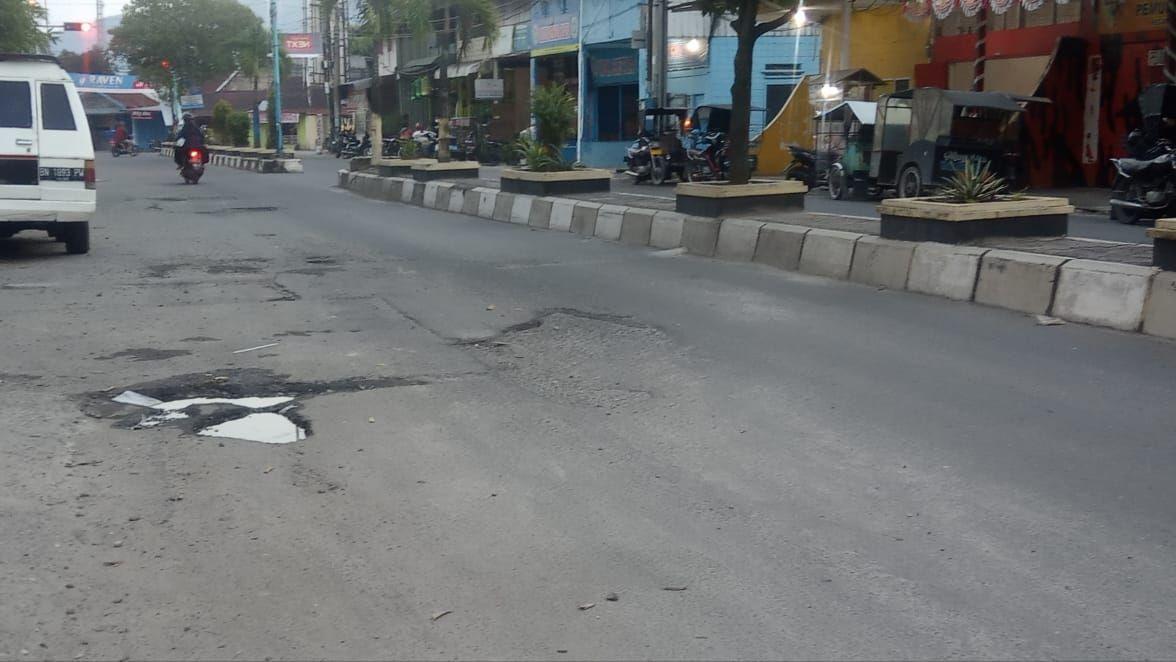 Kerusakan di Jl Imam Bonjol, Rantauprapat