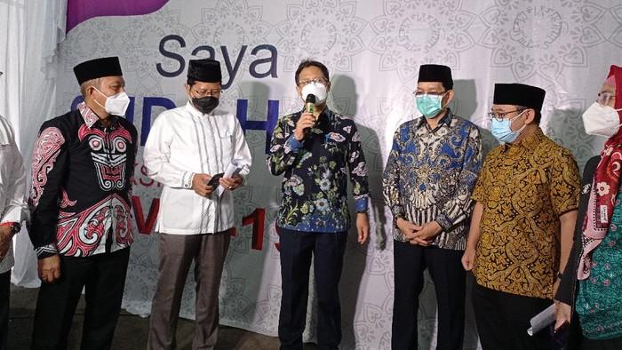 Menteri Kesehatan (Menkes) Budi Gunawan Sadikin Tinjauh Vaksinasi