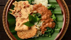 Meski Namanya Sama, Pecel Ayam di Jakarta dan Jawa Tengah Beda Racikannya