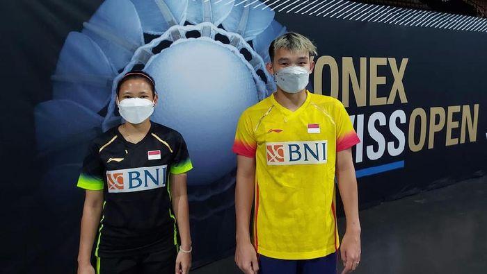 Ganda campuran Indonesia, Rinov Rivaldy/Pitha Haningtyas, saat main di Swiss Open 2021.