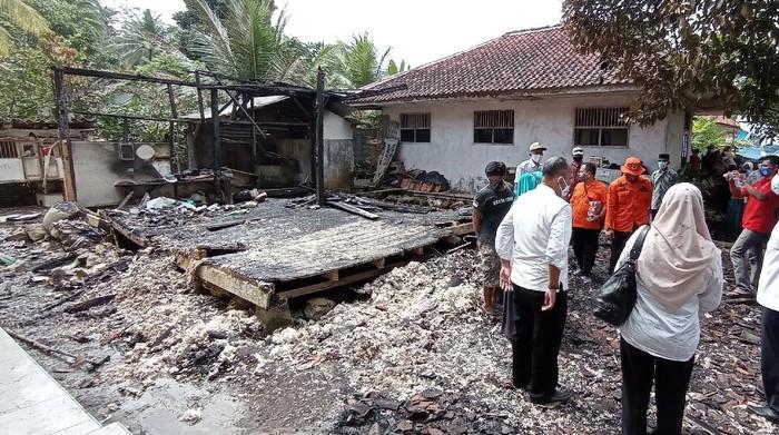 Rumah warga di Pangandaran ludes terbakar.