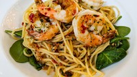 Resep Spaghetti Aglio Olio Udang ala Restoran yang Gurih Pedas