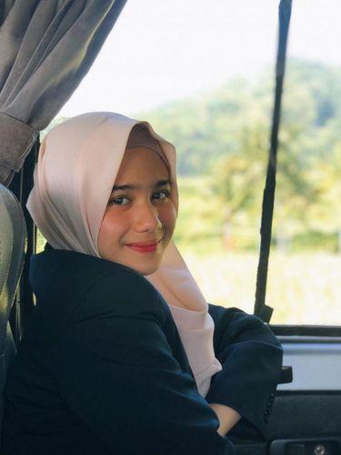 Tissa Biani Azzahra berhijab saat di film KKN Di Desa Penari'.