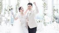 Angela Tee Resmi Menikah dengan Duda Keren, Dikasih Hadiah Ini