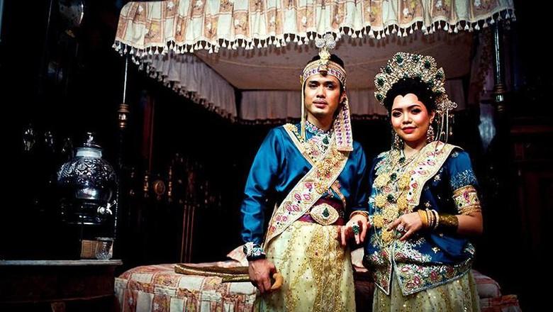 Baju bodo khas Suku Bugis - Makassar.