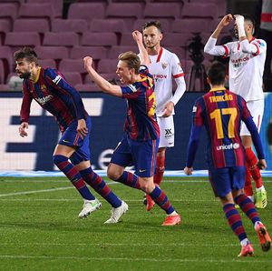 Barcelona Comeback atas Sevilla, Puyol Balas Ledek Suso