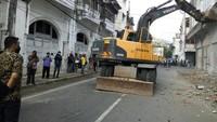 Bobby Beraksi, Bangunan Ilegal di Kesawan Medan Mulai Dirobohkan