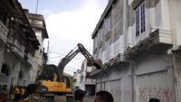 Bobby Nasution Beraksi Gusur Bangunan Ilegal di Kawasan Wisata
