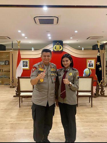Briptu Sefin bersama Kapolda Grobogan, Jawa Tengah.