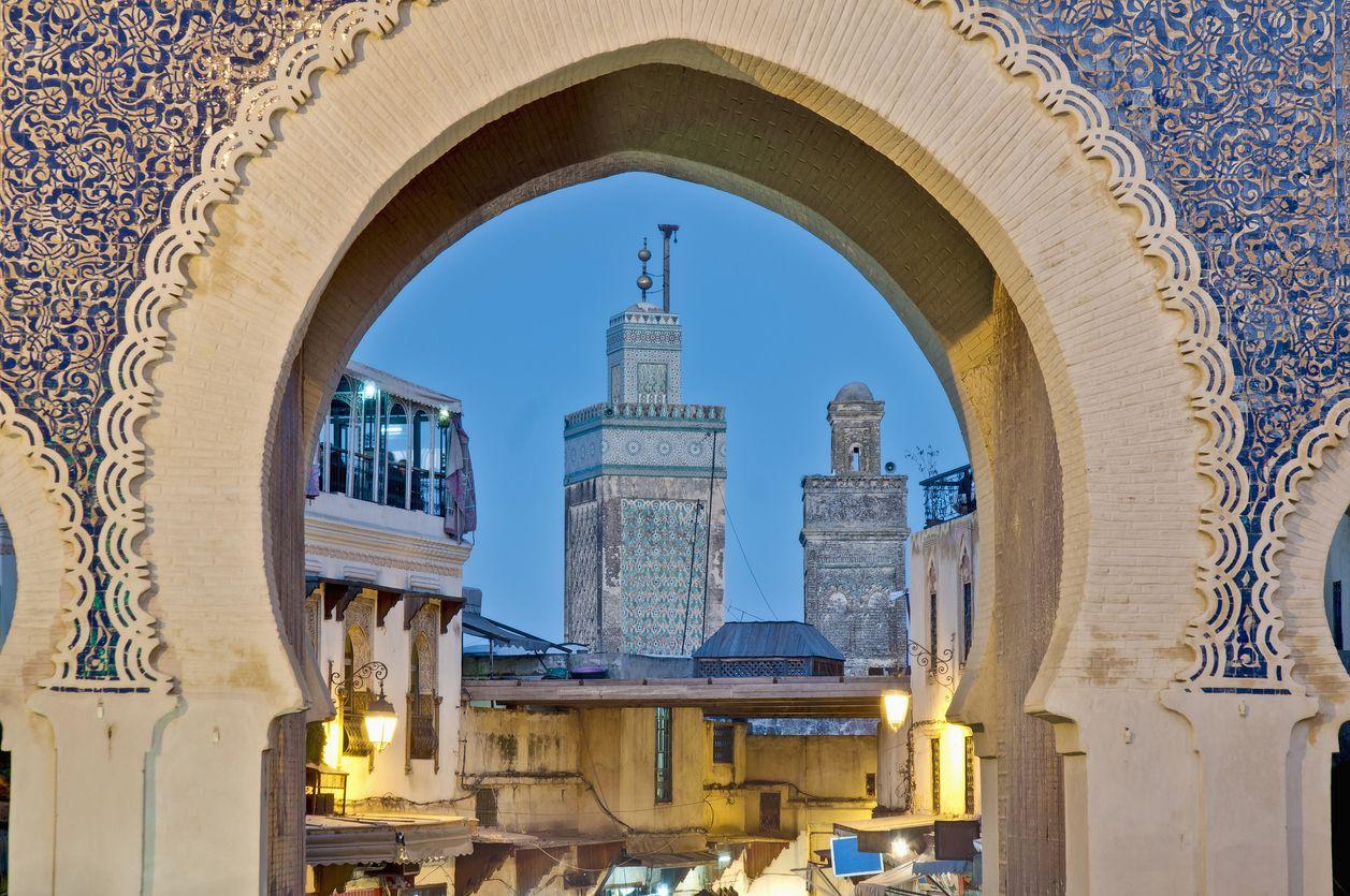 Bab Bou Jeloud gate atau Gerbang Biru di Fez, Maroko