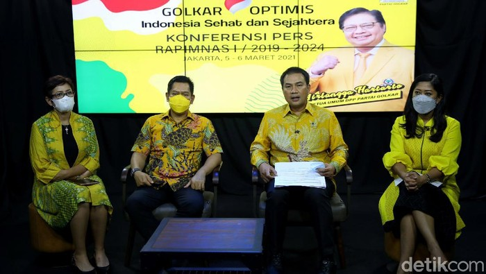 Partai Golkar akan gelar rapat pimpinan nasional (rapimnas) tahun 2021 secara fisik dan virtual. Rapimnas akan membahas persiapan hadapi Pilkada hingga Pilpres.