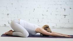 Jadi Kontroversi, Wanita Ini Buka Kelas Yoga Tanpa Busana