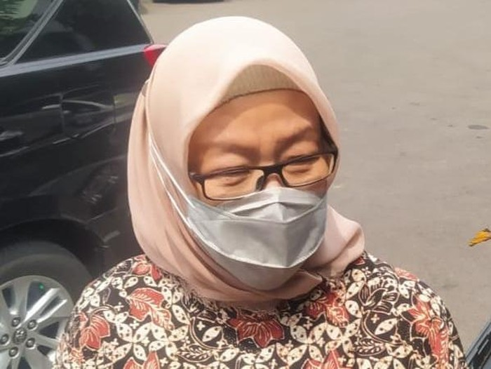 Kadinkes Surabaya Febria Rachmanita