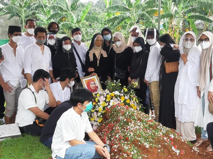 Pemakaman Asmiar Yahya