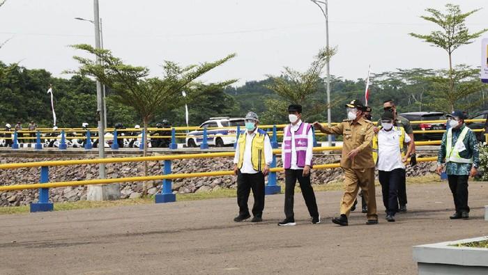 Presiden Joko Widodo resmikan Bendungan Sindangheula di Banten