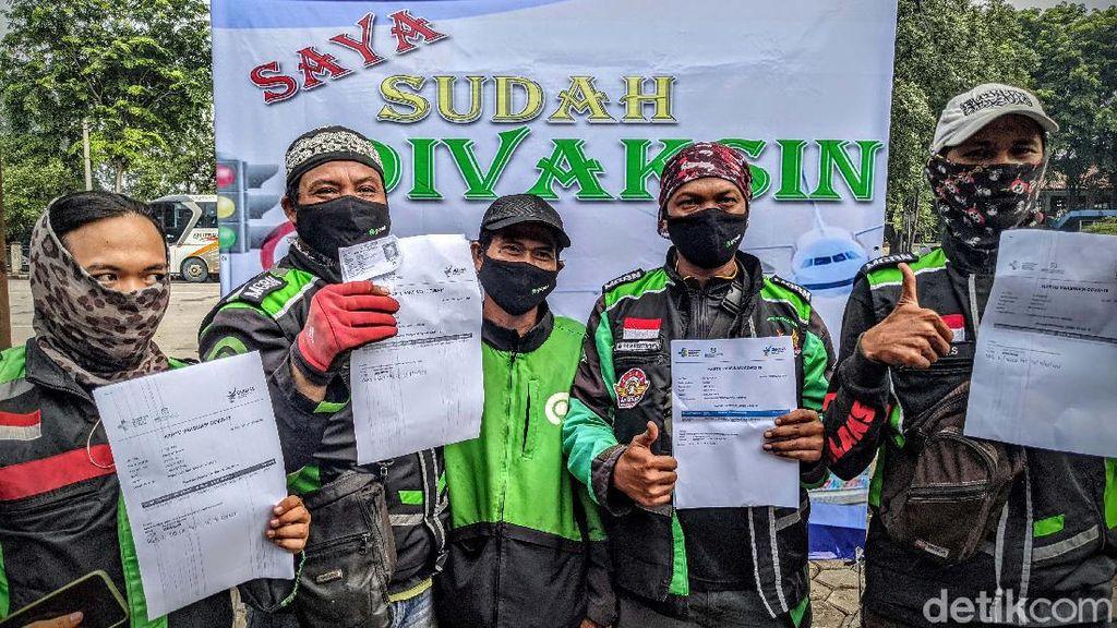 Jokowi Targetkan 40 Juta Orang Divaksinasi Hingga Bulan Juni